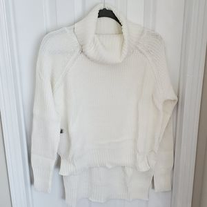 🌸Seven Sisters🌸 EUC Ivory Lin Sweater